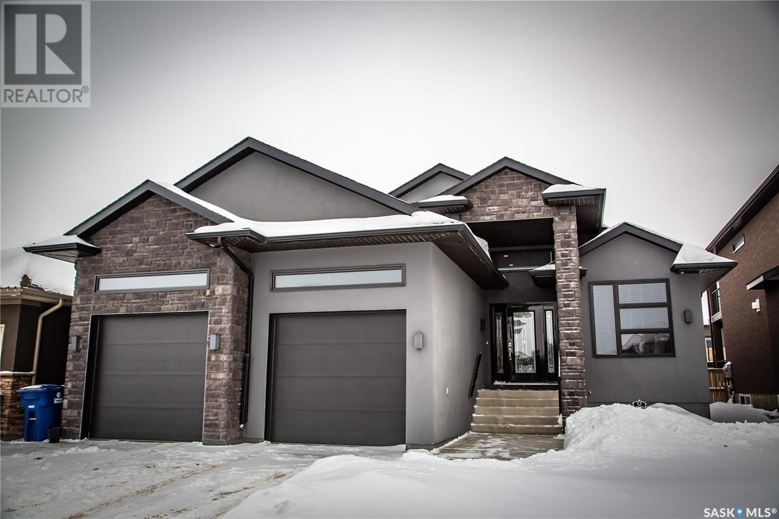 House for sale at 354 Mahabir Ct Saskatoon Saskatchewan - MLS: SK834406