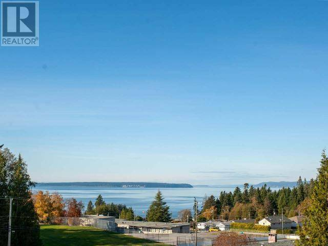 Residential property for sale at 3541 Selkirk Ave Powell River British Columbia - MLS: 14706