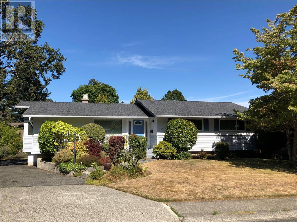 House for sale at 3542 Redwood Ave Victoria British Columbia - MLS: 415748