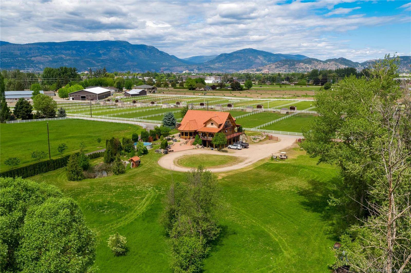 House for sale at 3545 Benvoulin Rd Kelowna British Columbia - MLS: 10194424