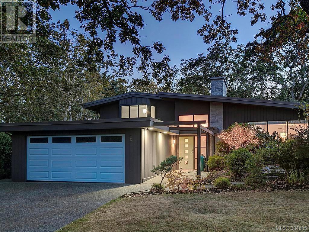 Removed: 3552 Kelsey Place, Victoria, BC - Removed on 2019-11-08 04:42:15