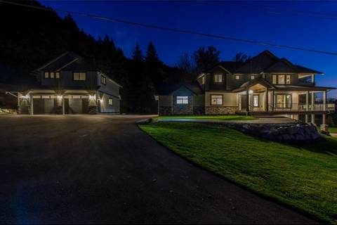 House for sale at 35544 Hallert Rd Abbotsford British Columbia - MLS: R2355346