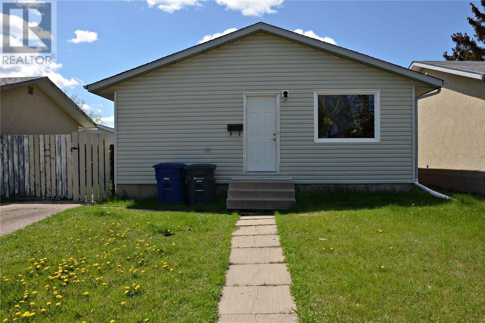 House for sale at 3557 Diefenbaker Dr Saskatoon Saskatchewan - MLS: SK810144