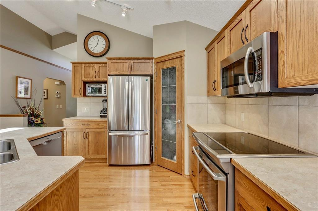 For Sale: 356 Cranfield Gardens Southeast, Calgary, AB   3 Bed, 3 Bath House for $549,900. See 48 photos!
