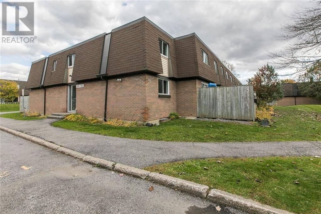 Townhouse for sale at 356 Garden Glen Pt Ottawa Ontario - MLS: 1173461
