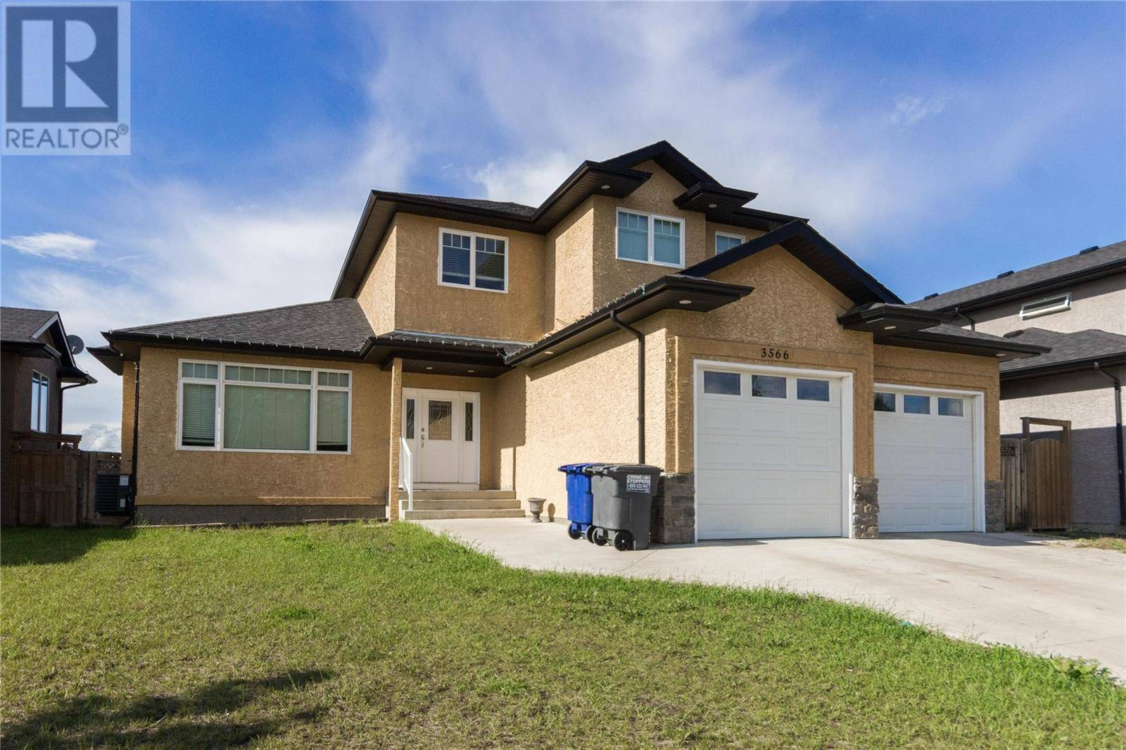 House for sale at 3566 37th St W Saskatoon Saskatchewan - MLS: SK777673