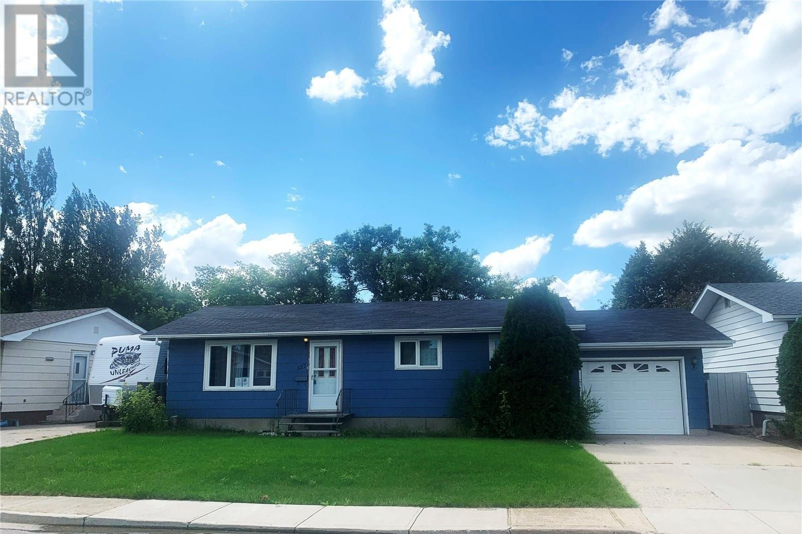 House for sale at 357 Poplar By Estevan Saskatchewan - MLS: SK831290