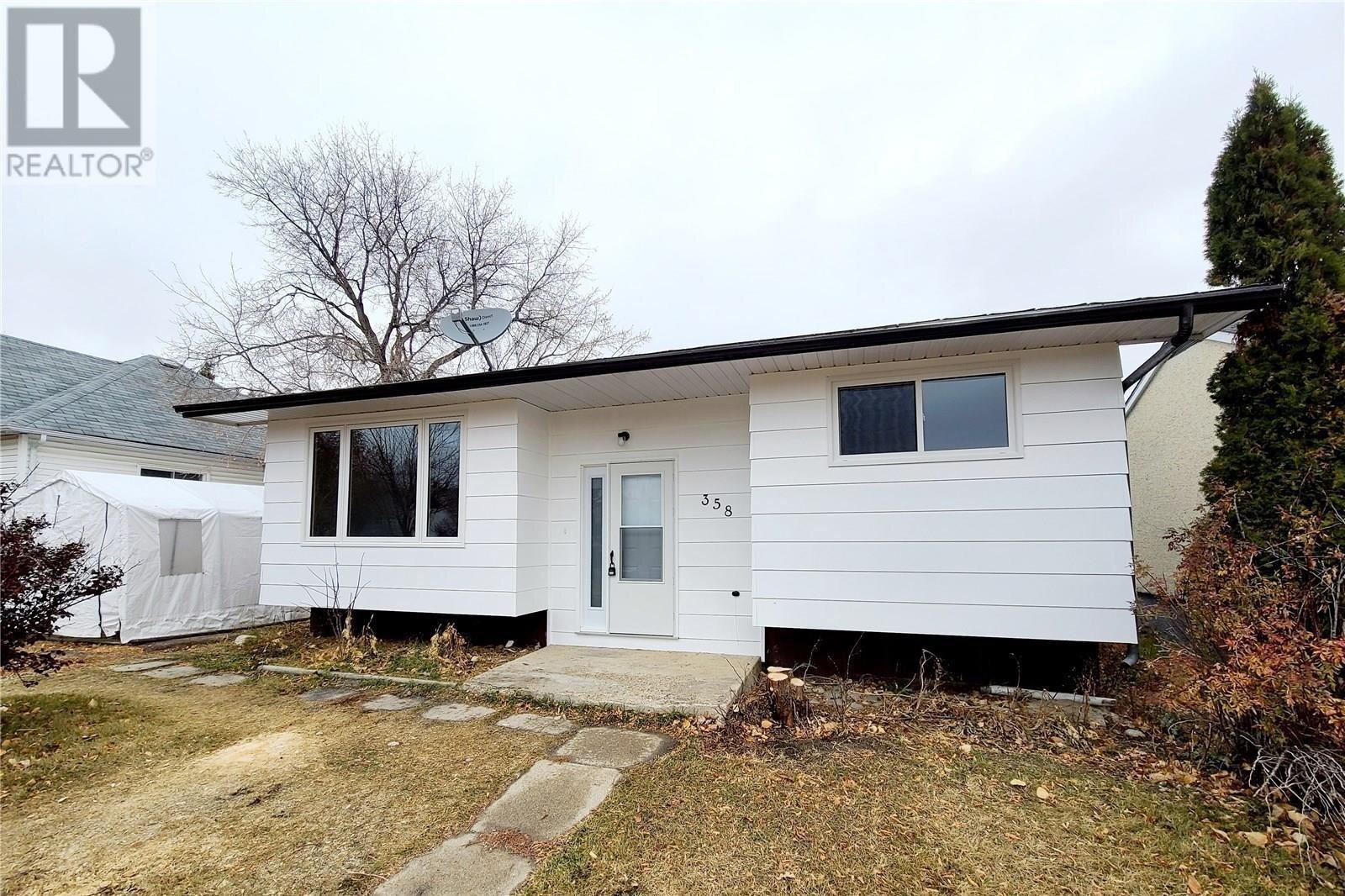 House for sale at 358 6th Ave E Melville Saskatchewan - MLS: SK834799