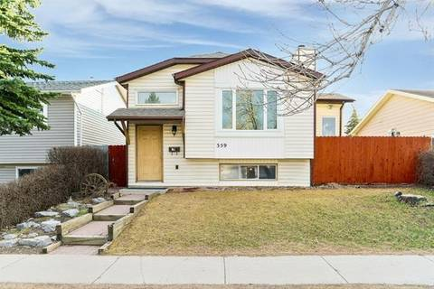 House for sale at 359 Castleridge Dr Northeast Calgary Alberta - MLS: C4240885
