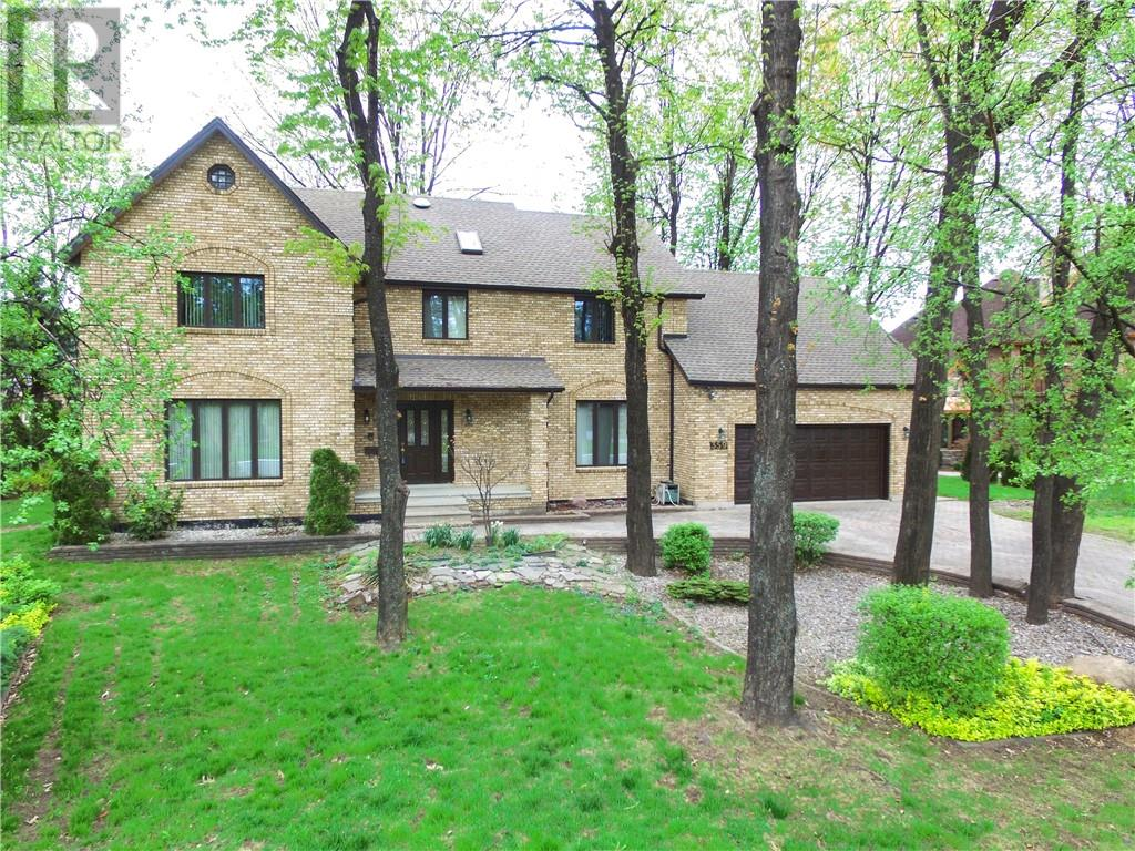 For Sale: 359 Elmgrove , Lakeshore, ON | 4 Bed, 4 Bath House for $650,000. See 30 photos!
