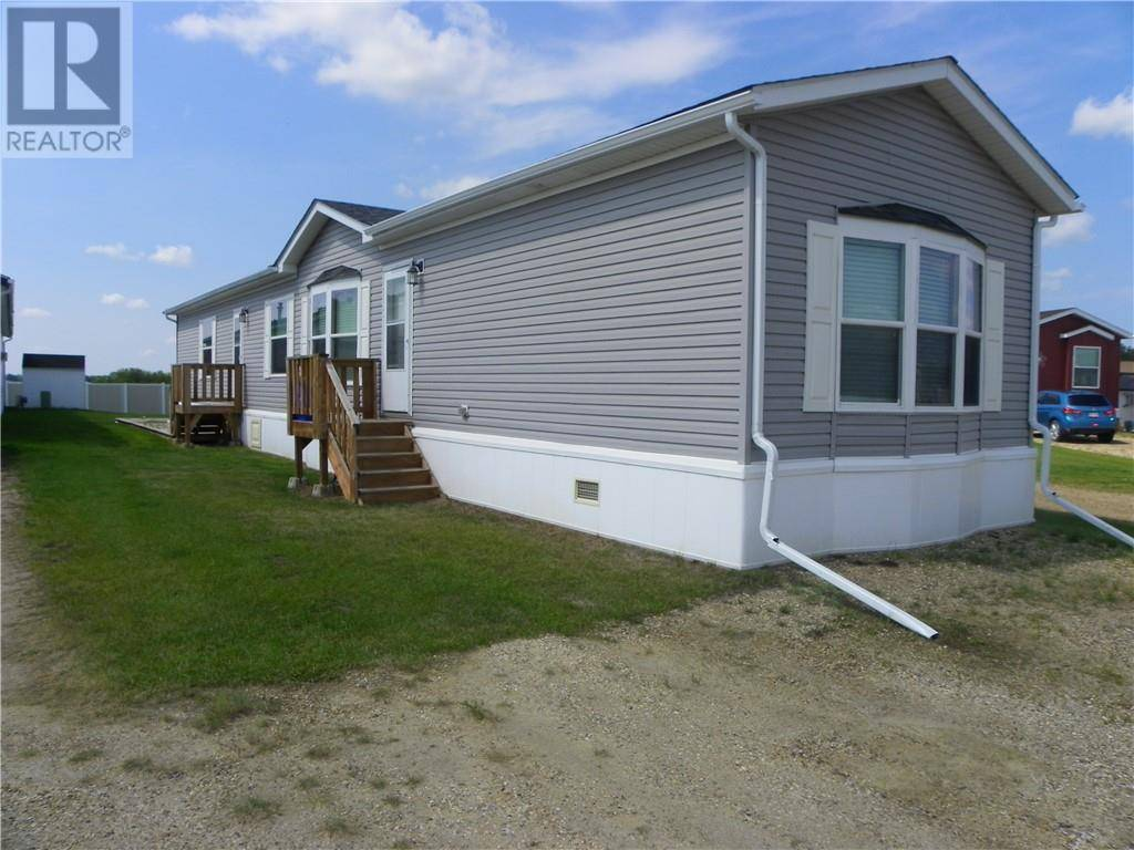 Residential property for sale at 15 Mackenzie Ranch Wy Unit 36 Lacombe Alberta - MLS: ca0181204