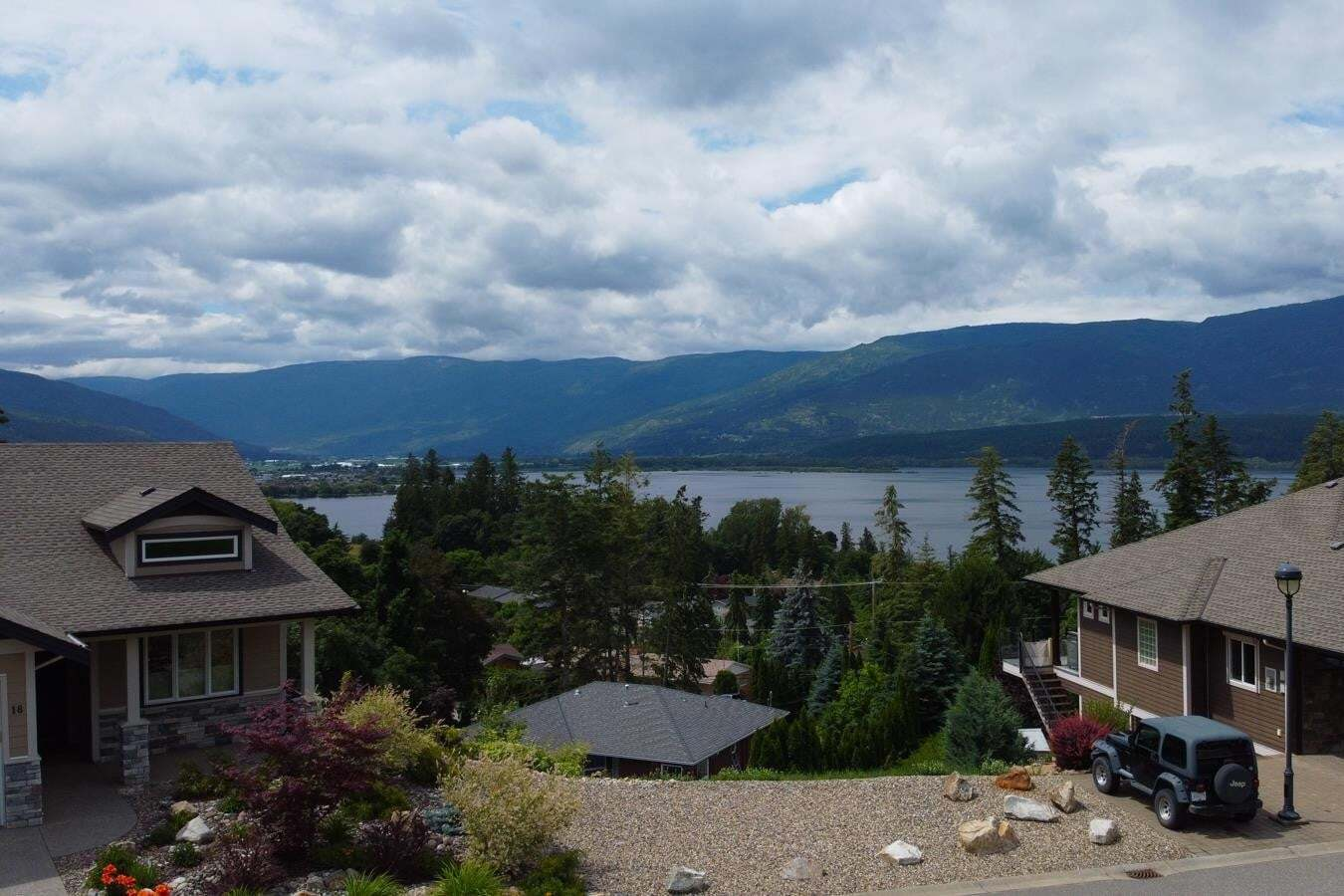 Home for sale at 2990 20 St Northeast Unit 36 Salmon Arm British Columbia - MLS: 10210022