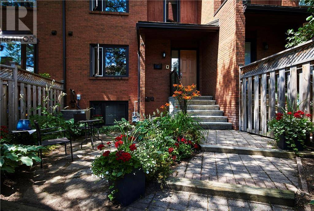 Townhouse for sale at 635 Richmond Rd Unit 36 Ottawa Ontario - MLS: 1174631