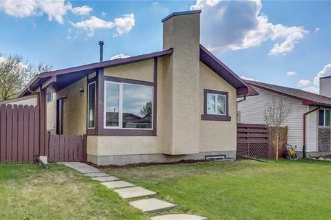 House for sale at 36 Castleridge Cres Northeast Calgary Alberta - MLS: C4246217