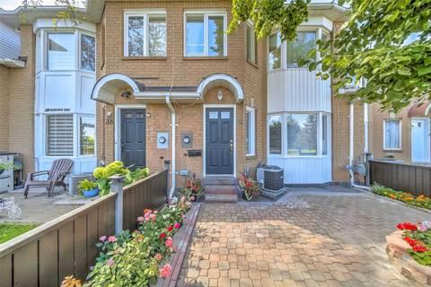 Townhouse for sale at 36 Glenashton Dr Oakville Ontario - MLS: W4544786