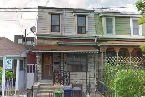 Townhouse for rent at 36 Mitchell Ave Toronto Ontario - MLS: C4900191