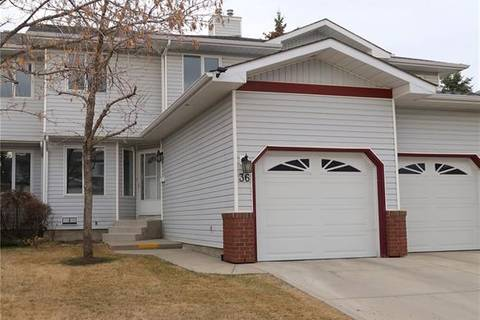 Townhouse for sale at 36 Scenic Gdns Northwest Calgary Alberta - MLS: C4241310
