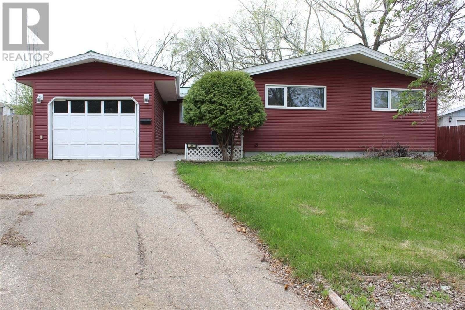 House for sale at 36 Scott Cres Weyburn Saskatchewan - MLS: SK810541