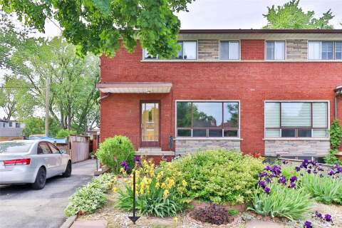 Townhouse for sale at 36 Woodbury Rd Toronto Ontario - MLS: W4803782