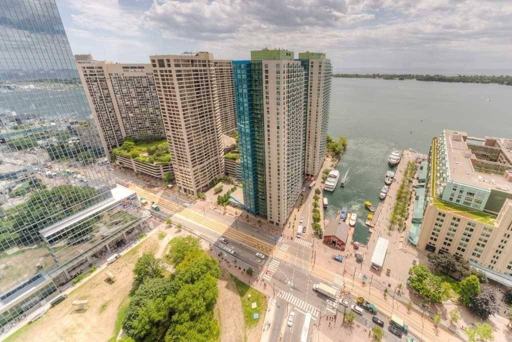Apartment for rent at 8 York St Unit 3605 Toronto Ontario - MLS: C4552858