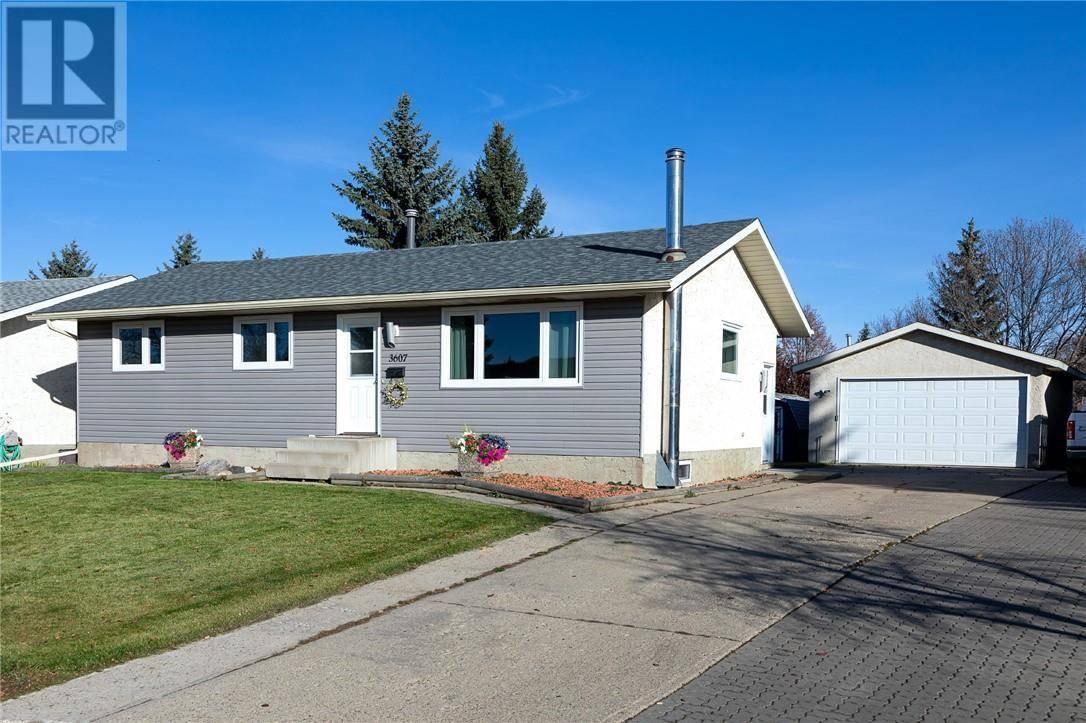 House for sale at 3607 Erickson Dr Camrose Alberta - MLS: ca0182629