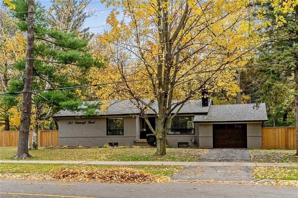 For Sale: 361 Cairncroft Road, Oakville, ON | 3 Bed, 2 Bath House for $1747000.00. See 20 photos!