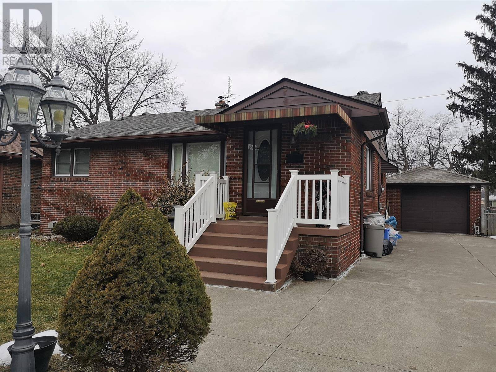 House for sale at 3613 Maisonneuve  Windsor Ontario - MLS: 20001536