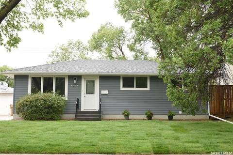 House for sale at 3623 Lakeview Ave Regina Saskatchewan - MLS: SK777436