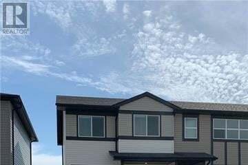 House for sale at 363 Mildred Dobbs Blvd North Lethbridge Alberta - MLS: LD0191014