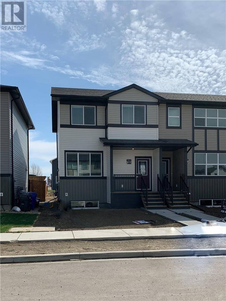Townhouse for sale at 363 Mildred Dobbs Blvd N Lethbridge Alberta - MLS: ld0191014