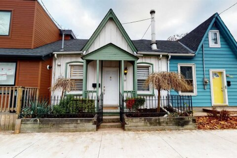 Townhouse for sale at 363 Shuter St Toronto Ontario - MLS: C4997543