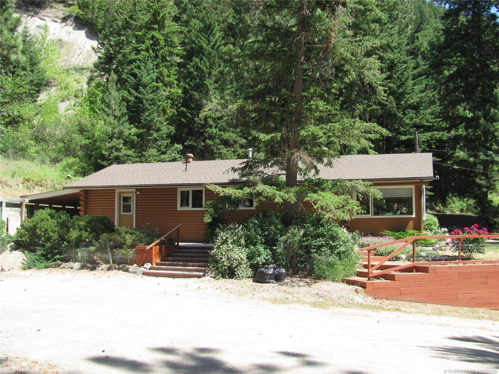 House for sale at 3633 Smith Rd Falkland British Columbia - MLS: 10200745