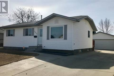 House for sale at 3639 37th St W Saskatoon Saskatchewan - MLS: SK759975