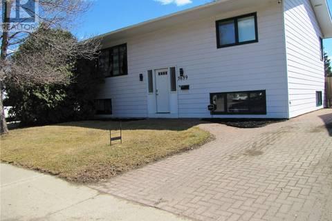 House for sale at 3639 Fairlight Dr Saskatoon Saskatchewan - MLS: SK803002