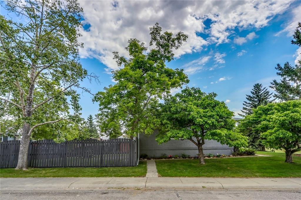 For Sale: 364 Cantrell Drive Southwest, Calgary, AB | 5 Bed, 1 Bath House for $399,900. See 40 photos!