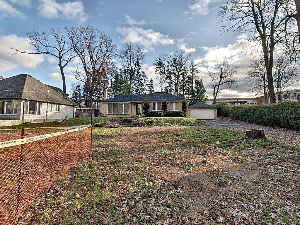364 Jerseyville Road W, Ancaster   Image 1
