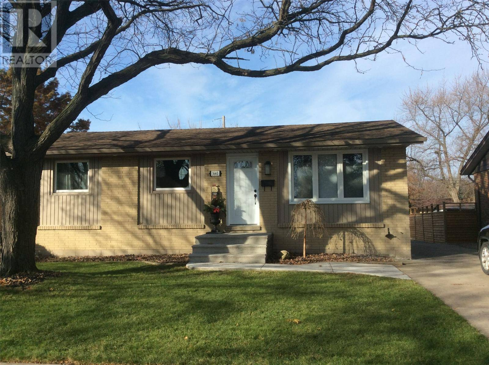 House for sale at 3640 Wolfe Ct Windsor Ontario - MLS: 19028957