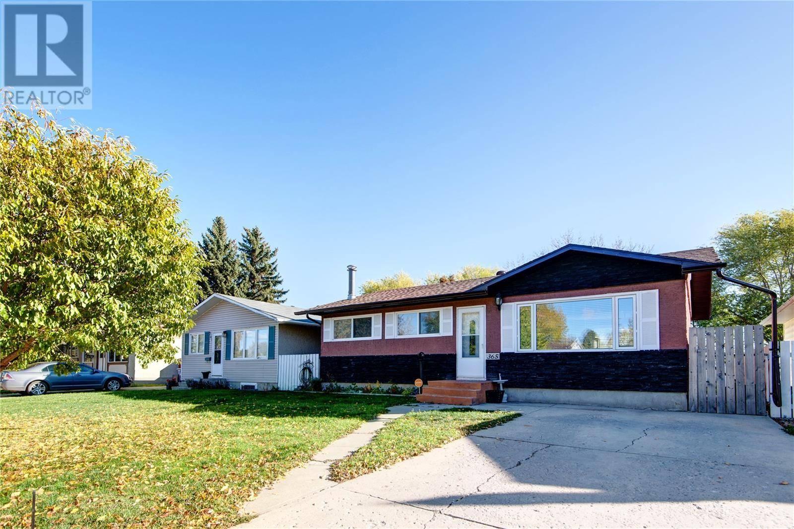 House for sale at 365 Lloyd Cres Saskatoon Saskatchewan - MLS: SK783048