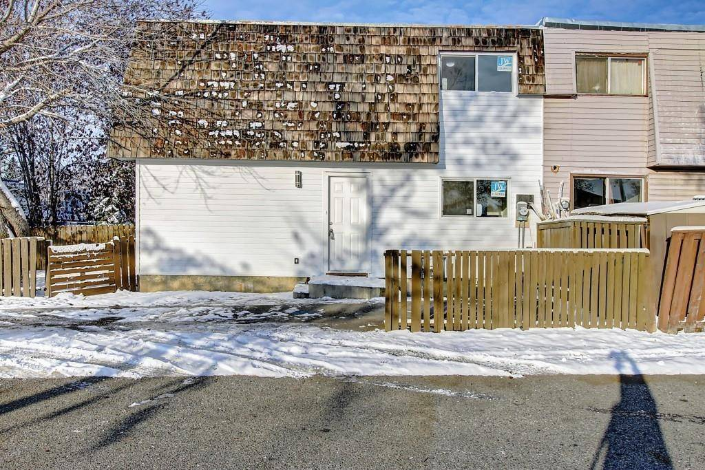Townhouse for sale at 3656 27a Ave Se Dover, Calgary Alberta - MLS: C4272367