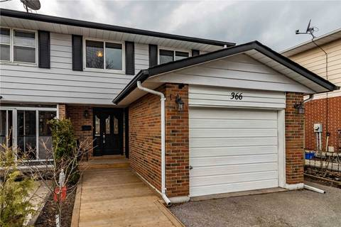 Townhouse for sale at 366 Camelot Ct Oshawa Ontario - MLS: E4732654
