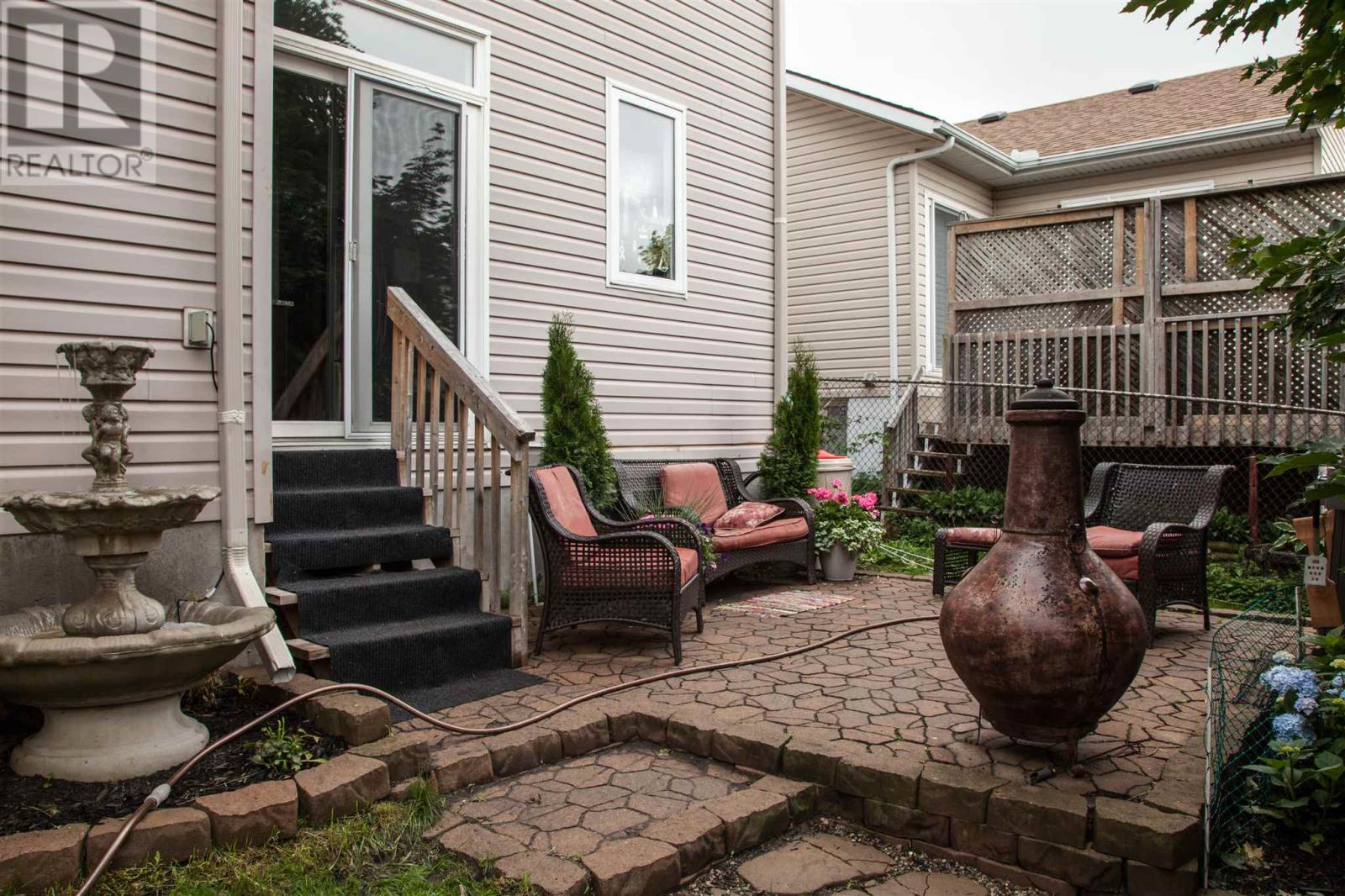 For Sale: 367 Ellesmeer Avenue, Kingston, ON | 5 Bed, 4 Bath House for $459,000. See 30 photos!