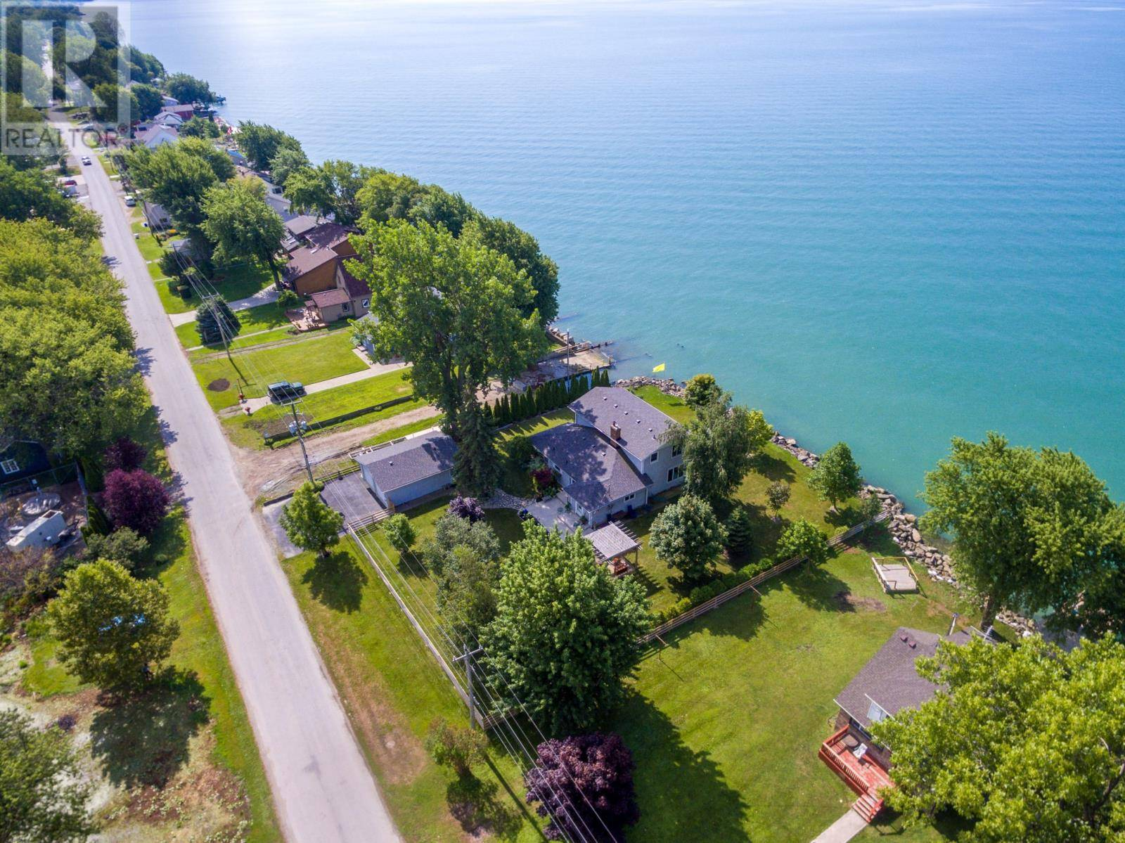 Home for sale at 367 Lakeside  Amherstburg Ontario - MLS: 19023322
