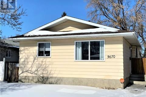 House for sale at 3670 Macdonald Rd Saskatoon Saskatchewan - MLS: SK762533