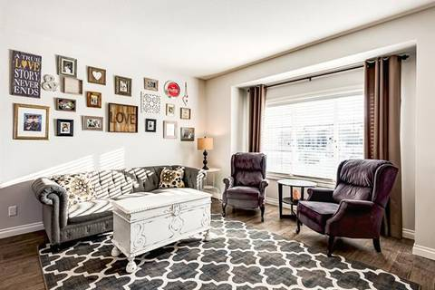 368 Marquis Heights Southeast, Calgary | Image 2