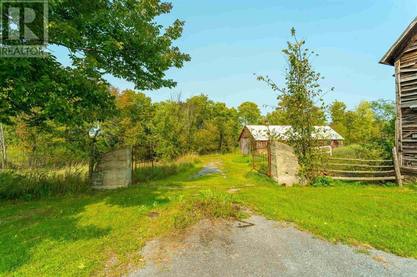 Home for sale at 3697 Desert Lake Rd South Frontenac Ontario - MLS: K20005550