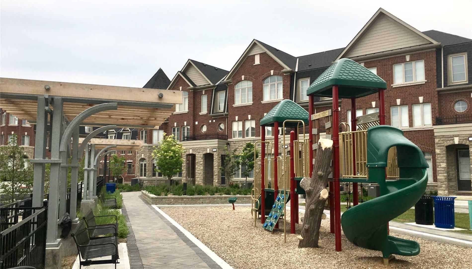 Townhouse for sale at 1331 Major Mackenzie Dr Unit 37 Vaughan Ontario - MLS: N4455064