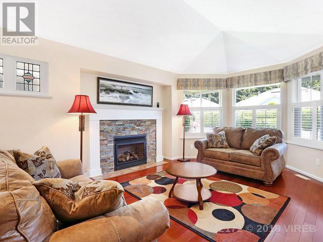 For Sale: 37 - 2010 20th Street, Courtenay, BC | 2 Bed, 2 Bath Condo for $369,800. See 19 photos!