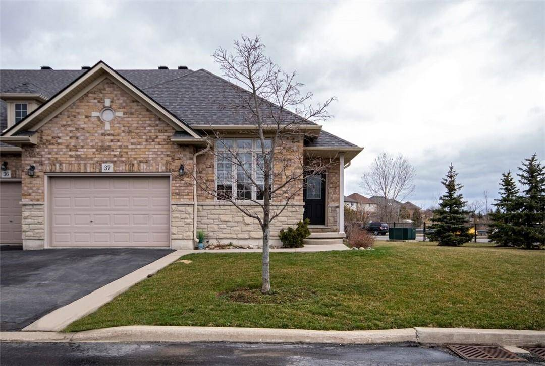 Townhouse for sale at 310 Southbrook Dr Unit 37 Binbrook Ontario - MLS: H4075878