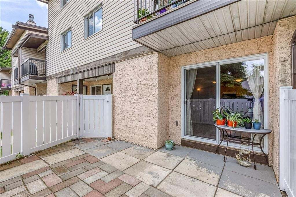 Townhouse for sale at 3745 Fonda Wy SE Unit 37 Forest Heights, Calgary Alberta - MLS: C4302629