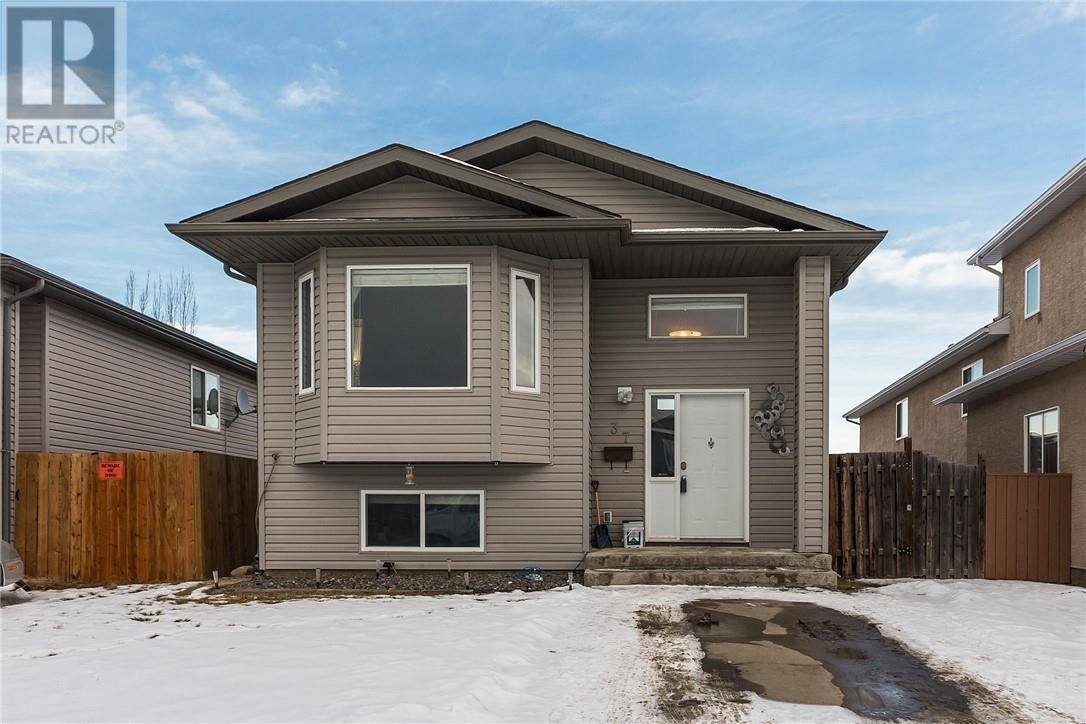 House for sale at 37 Aberdeen Rd W Lethbridge Alberta - MLS: ld0186318
